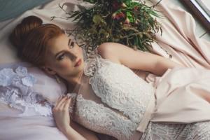 【パーソナルカラー】オータム(イエベ秋)タイプにおすすめ!結婚式に着たいウェディングカラードレス【2020年ブライダル最新版】